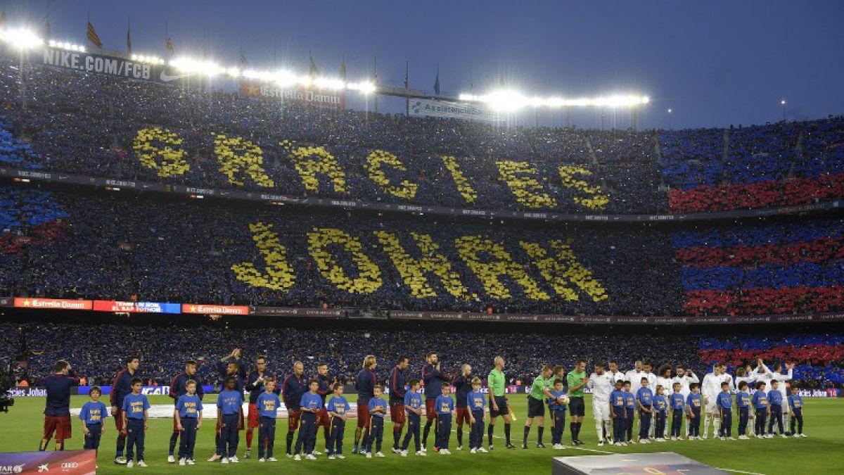 [VIDEO] El increíble mosaico de los hinchas del Barcelona en honor a Johan Cruyff