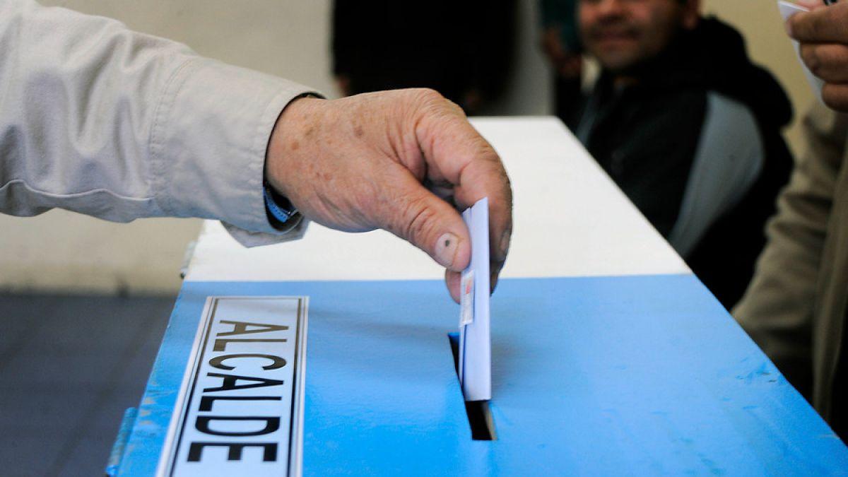 Primarias municipales: Los nudos y acuerdos de la negociación en la Nueva Mayoría y Chile Vamos