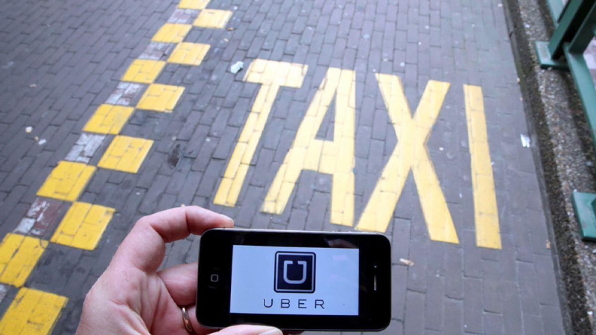 Taxis versus Uber: ¿Cómo ha sido en el mundo la controversia que se desata en Chile?