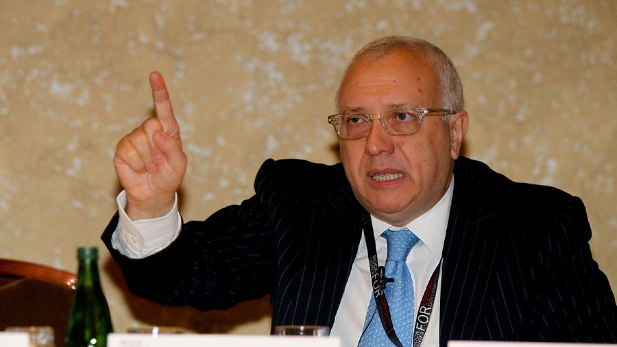 Álvaro Saieh critica falta de una política de Estado que apoye a empresas chilenas en el extranjero