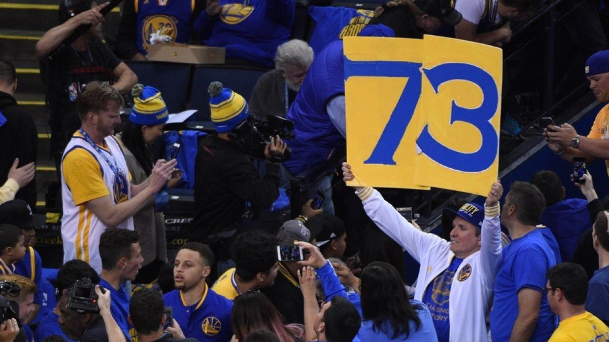 Golden State bate el récord de los Chicago Bulls de Jordan con 73 victorias