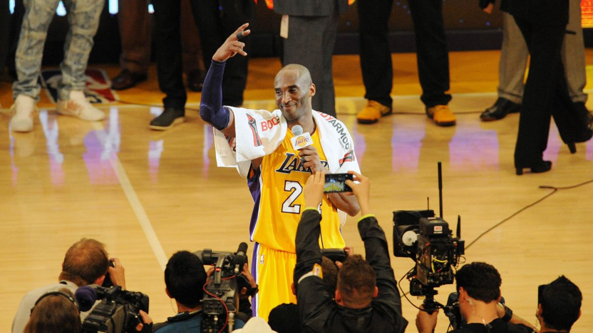 Kobe Bryant se retira del baloncesto con gran partido de 60 puntos