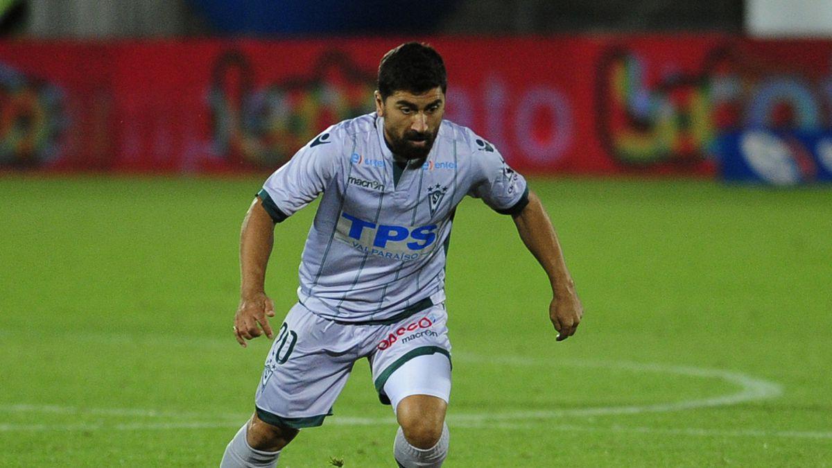 David Pizarro destaca trabajo de Alfredo Arías en Wanderers: Ha sido fundamental