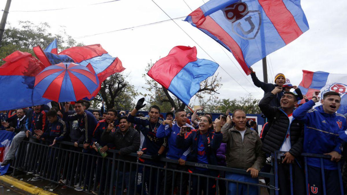 [VIDEO] Universidad de Chile vive su banderazo en la previa del clásico con la UC