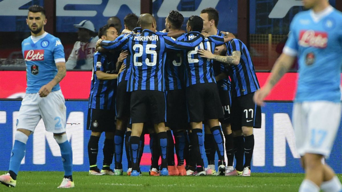 Inter de Milán derrota a Napoli con precisa asistencia de Gary Medel