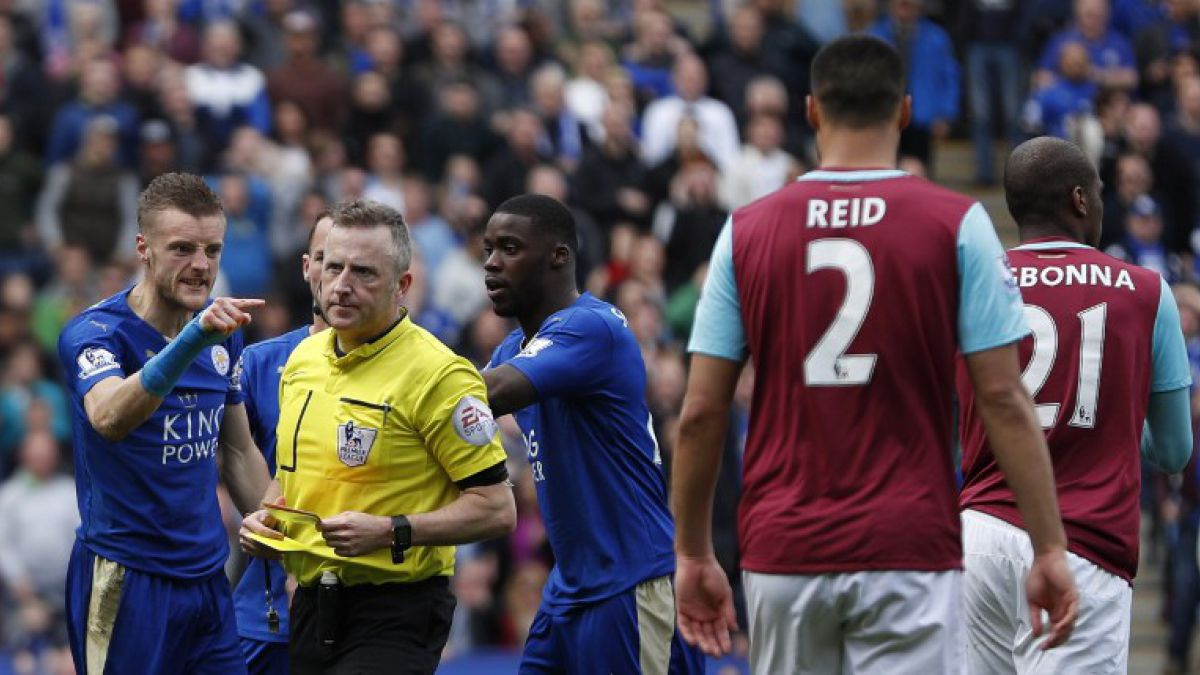 Problemas para el Leicester: Vardy podría recibir más de una fecha por su expulsión