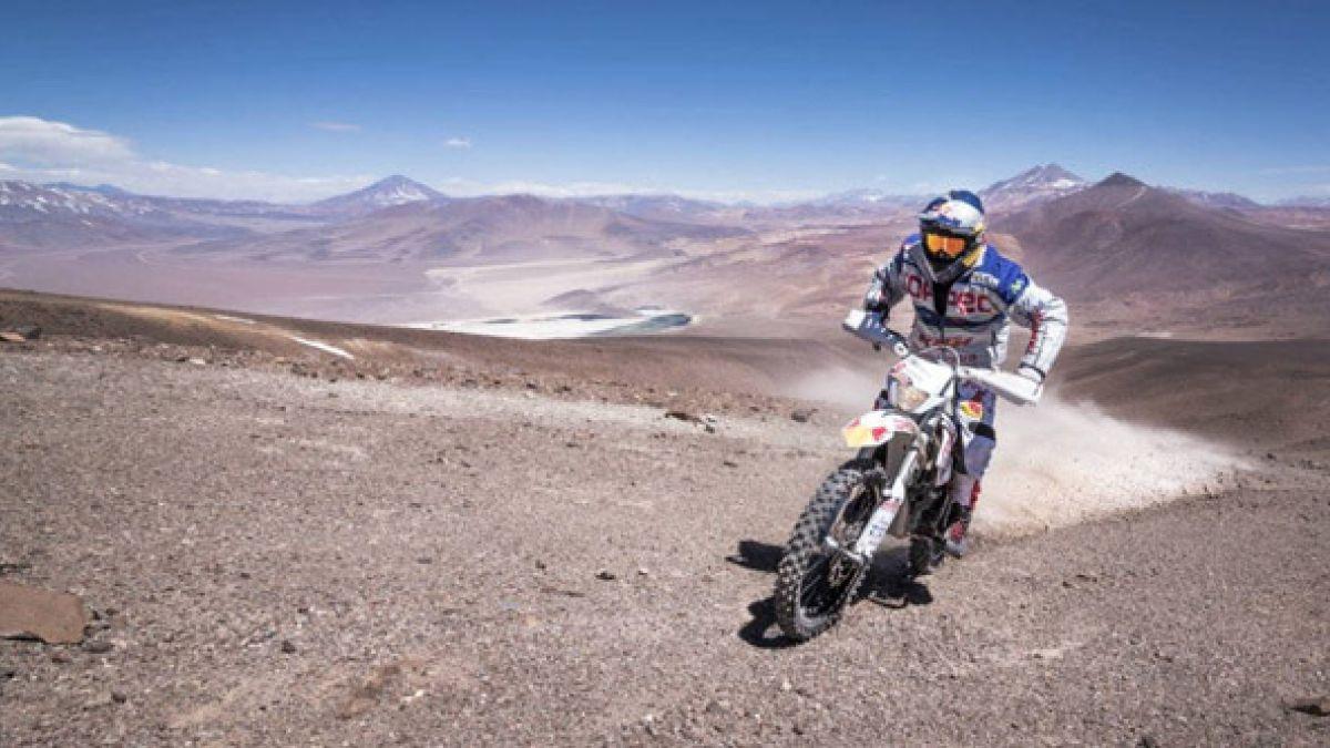 """""""Chaleco"""" López se despide de las motos con estreno de documental que lo llevó al Guinness"""