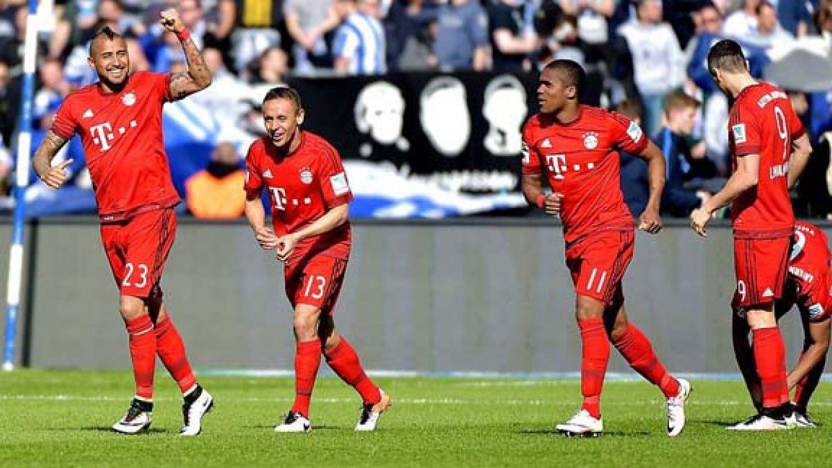 """[FOTO] Vidal celebra victoria que deja al Bayern """"acariciando"""" el título en Alemania"""