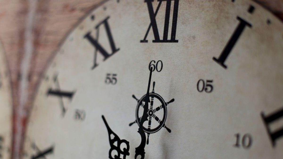 ¿Qué hora es en Chile?: Diario estadounidense ironiza con el cambio de horario en nuestro país