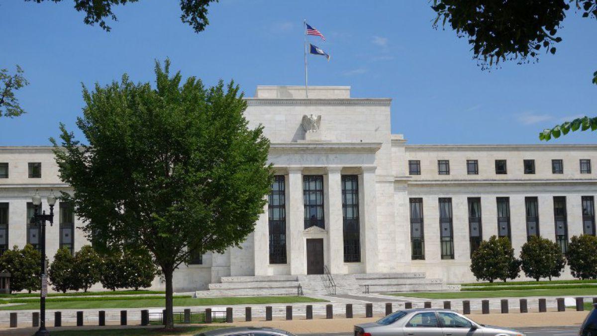 EEUU: Fed deja tasas de interés sin cambios entre 0,25% y 0,50%