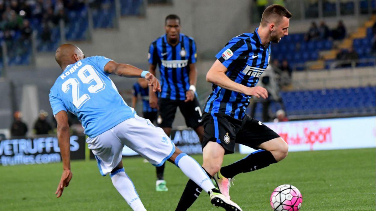 Inter de Gary Medel cae ante Lazio y pierde chances de clasificar a Liga de Campeones
