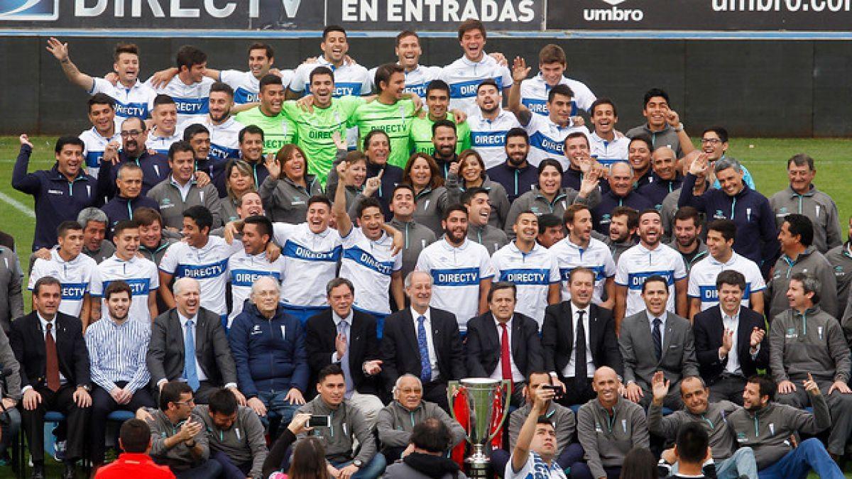 [VIDEO] Plantel de Universidad Católica realiza foto oficial con la copa de campeón