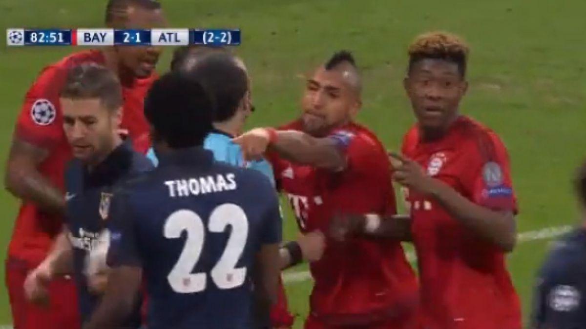 El particular recurso de Arturo Vidal para evitar que Fernando Torres anotara de penal