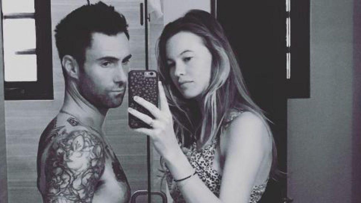 Adam Levine y su esposa esperan su segundo hijo