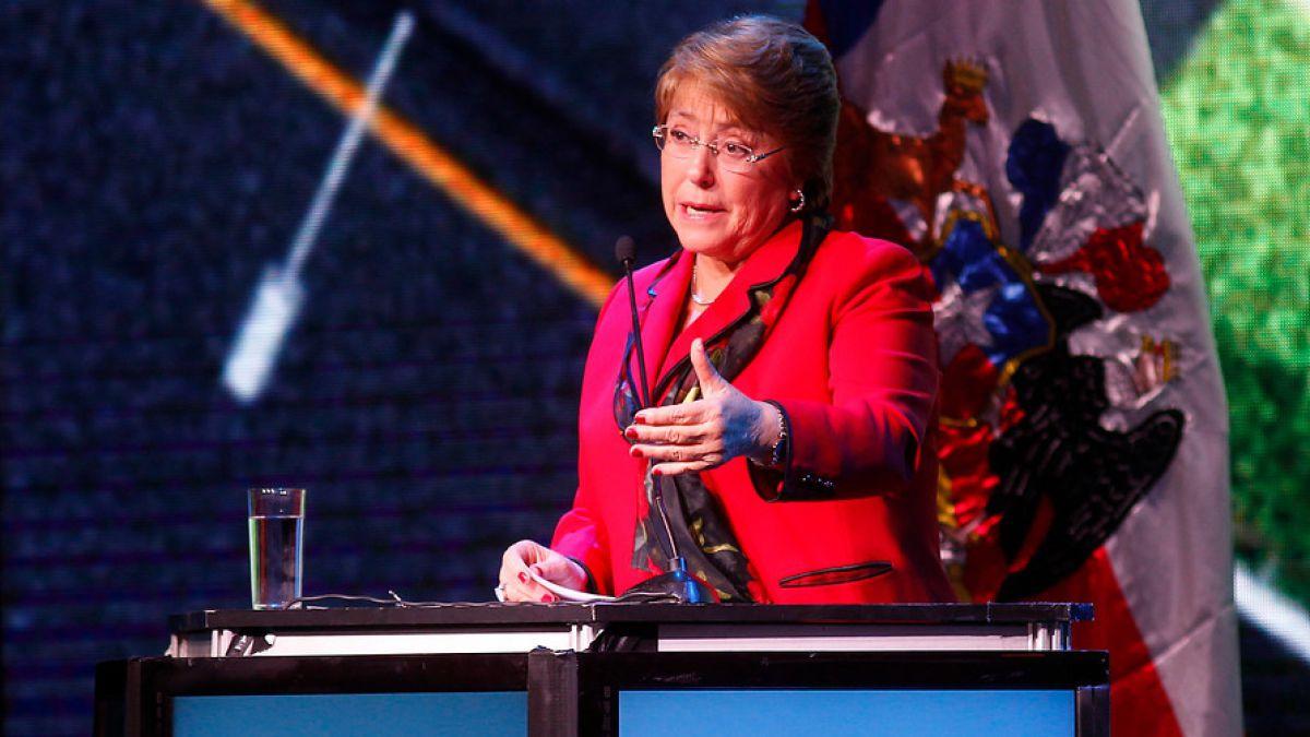 """Bachelet destaca medidas económicas de su Gobierno frente a empresarios: """"Merecen confianza"""""""