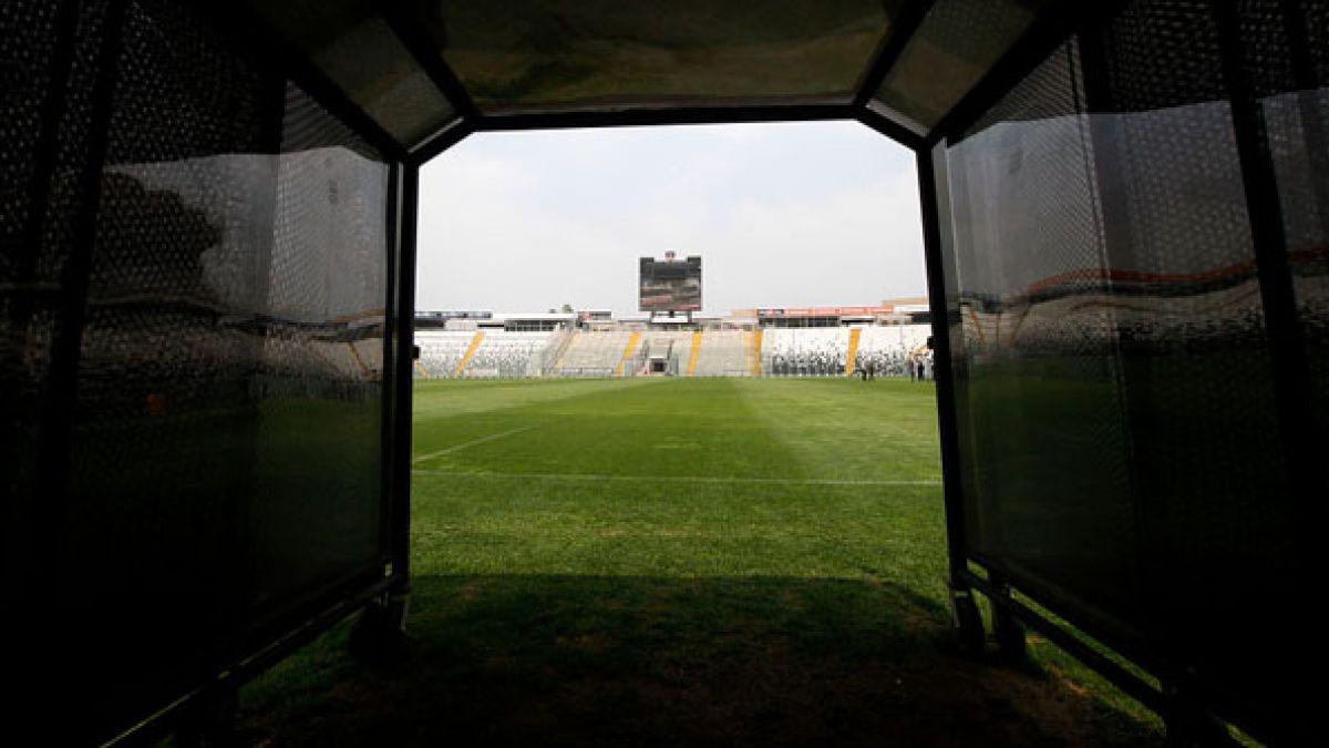 """A 11 años de la Ley de SADP: los puntos que buscan """"rescatar"""" al fútbol chileno"""