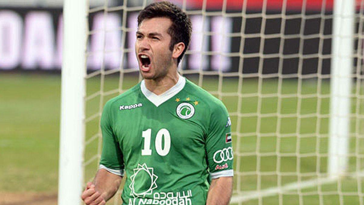 Carlos Villanueva se despide del fútbol árabe y prepara su regreso a Chile
