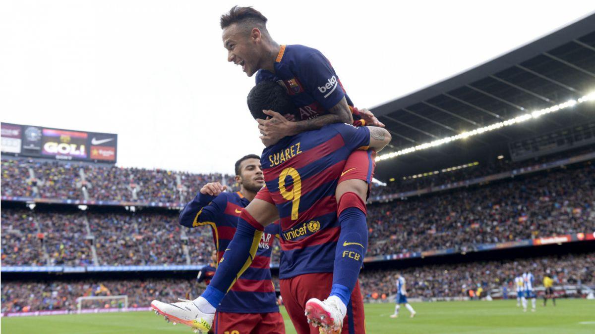 Barcelona sin Bravo golea a Espanyol y queda con primera opción al título en España
