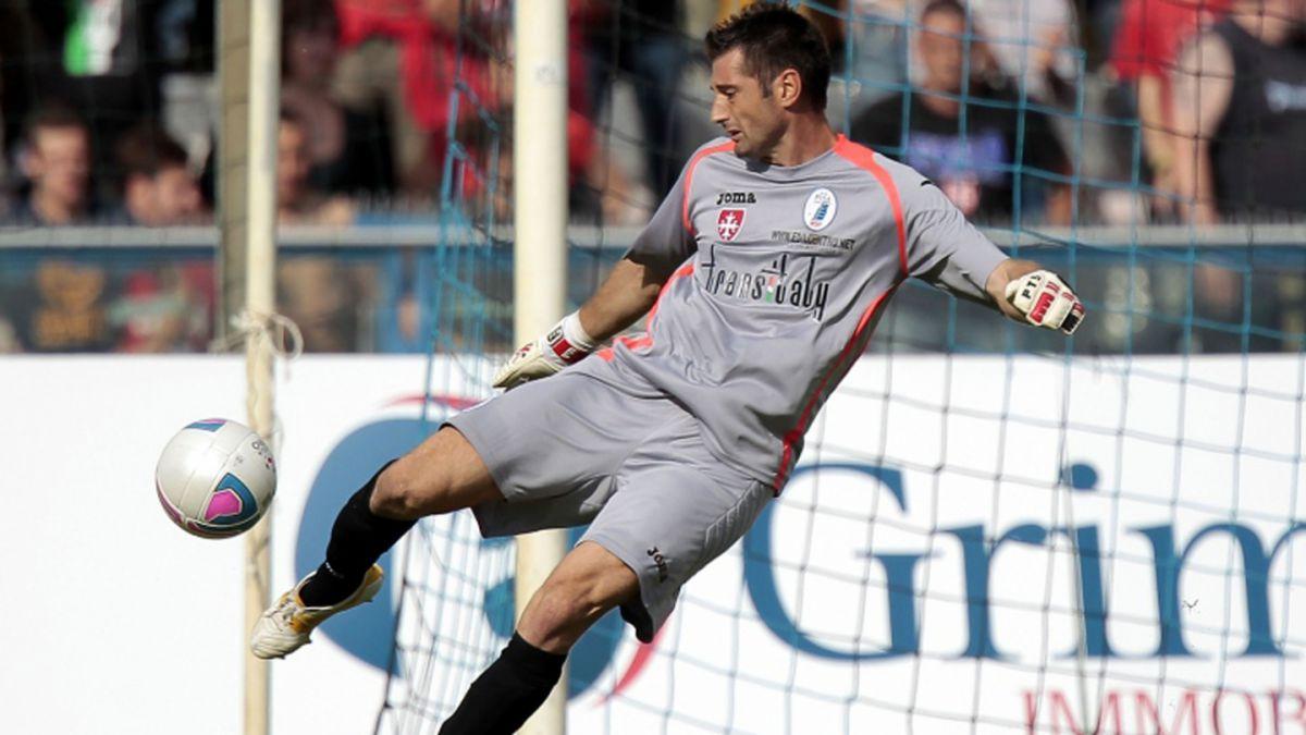 Arquero italiano debutará en la Serie A a los 39 años