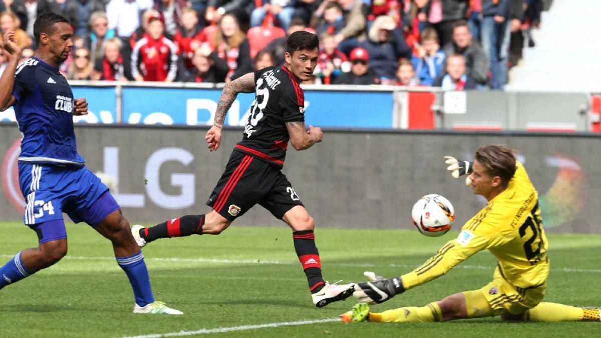 Charles Aránguiz marca golazo en triunfo del Leverkusen que clasifica a Champions