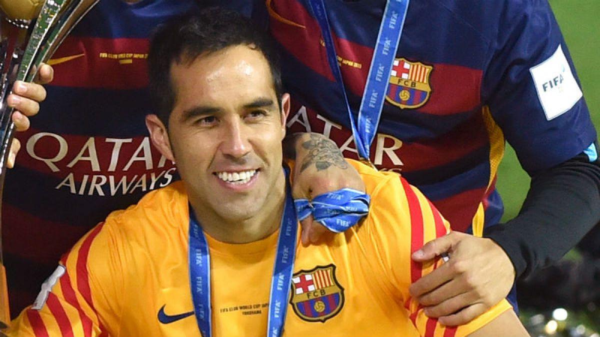 [FOTO] Claudio Bravo comparte alegría por su nuevo título y envía felicitaciones a Arturo Vidal