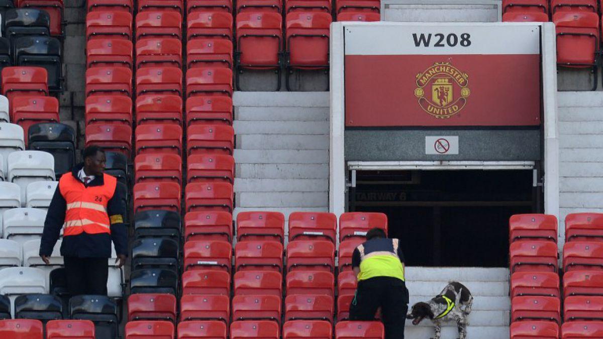 Suspenden duelo United-Bournemouth tras encontrarse paquete sospechoso en la tribuna
