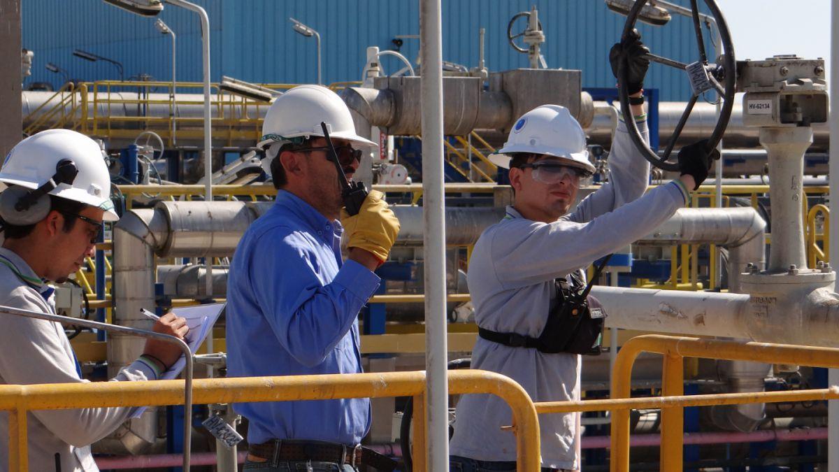 Comienza histórico primer envío de gas natural desde Chile a Argentina