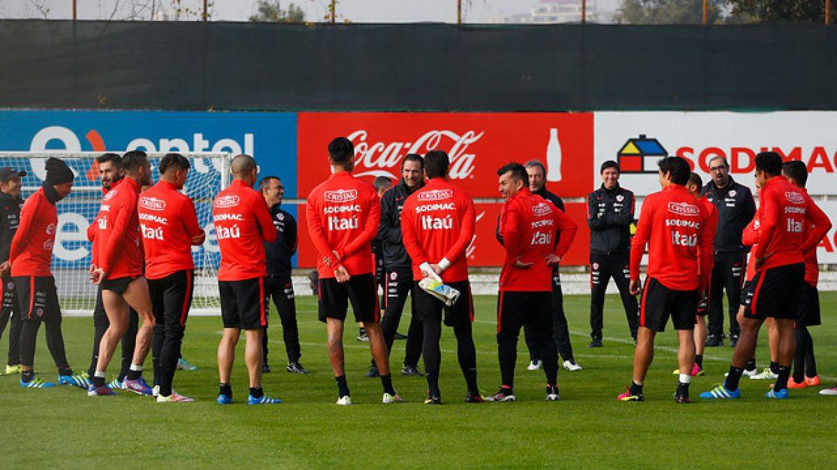 """""""La Roja"""" entrena con la visita del presidente Arturo Salah a Juan Pinto Durán"""