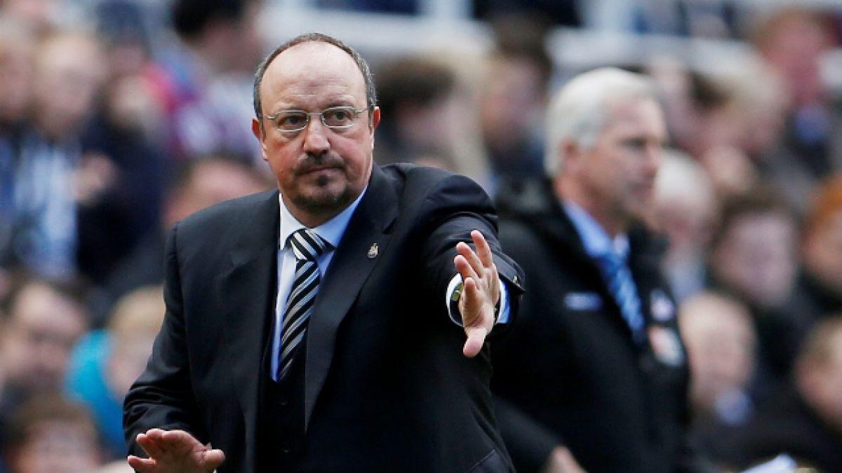 Rafa Benítez renueva por tres años con el Newcastle pese al descenso