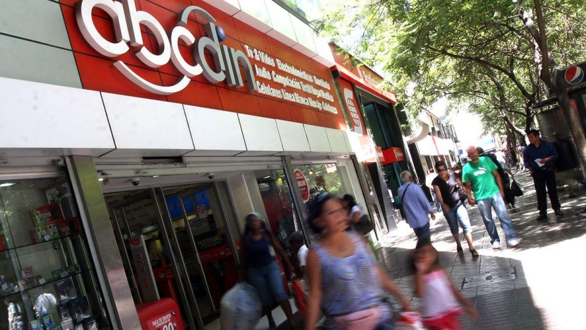 Sernac y Conadecus presentan demanda colectiva en contra de empresa ABCDIN