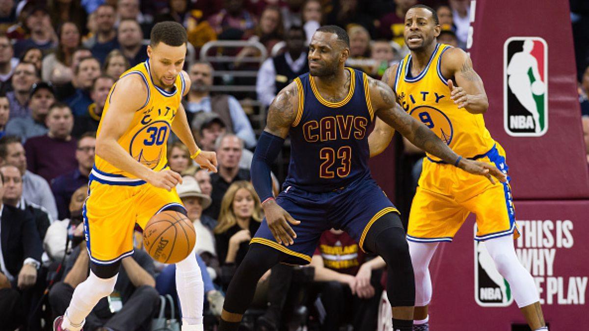 Curry y LeBron James en el Primer Equipo de la temporada 2015-2016 de NBA
