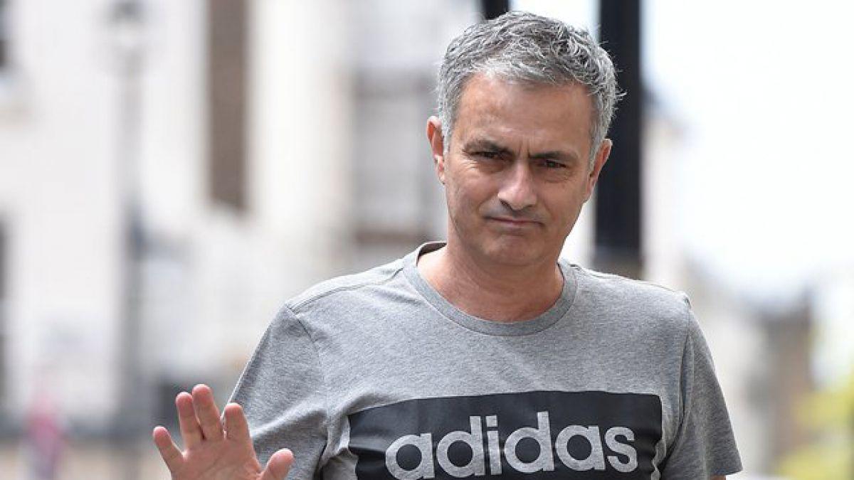 """Mourinho y llegada al United: """"Los clubes gigantes deben ser para los grandes entrenadores"""""""