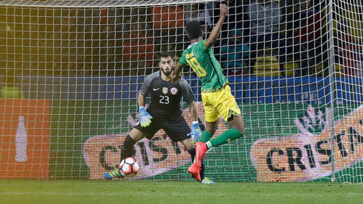 """Johnny Herrera: """"Nunca había visto un partido en que Chile llegara tantas veces al arco"""""""