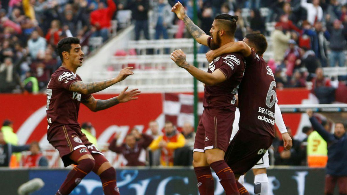 Lanús golea a San Lorenzo y se consagra campeón del fútbol argentino