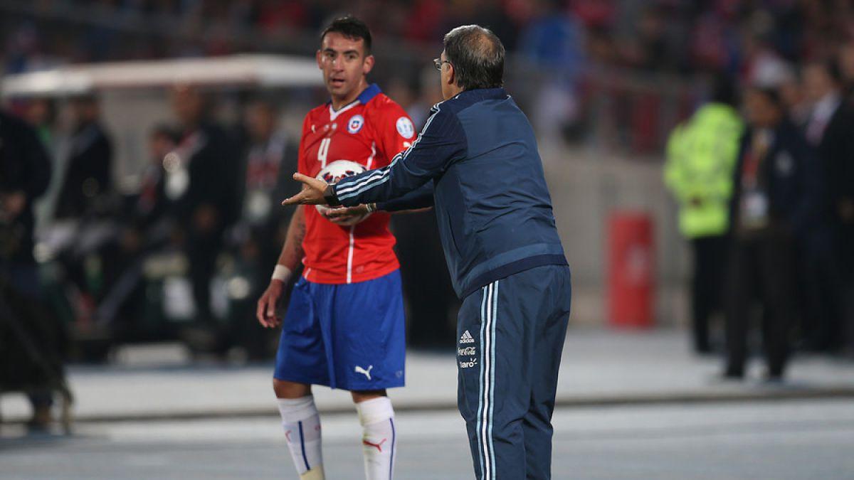 Martino asegura que estilo de juego de Chile incomoda a Argentina