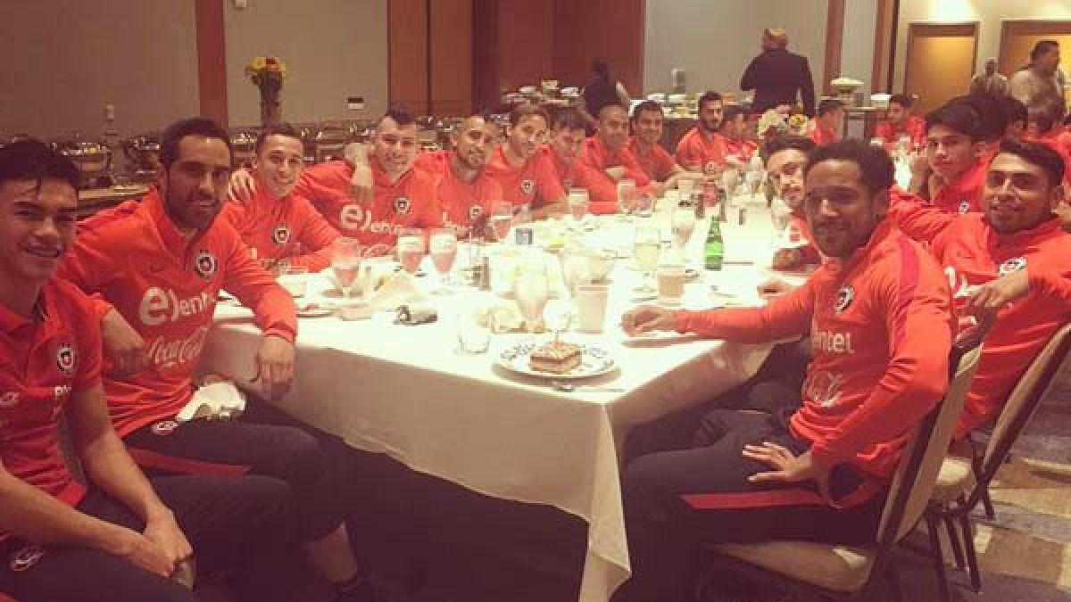 """Jugadores de """"La Roja"""" celebran cumpleaños de Jean Beausejour en Estados Unidos"""