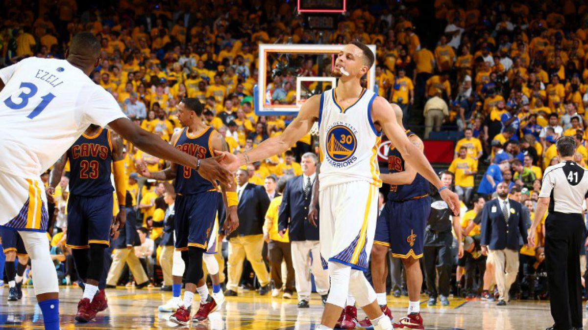 GS Warriors se adelantan a Cleveland Cavaliers en la final de la NBA
