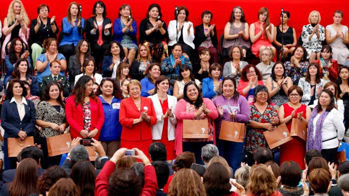 El camino institucional que derivó en la creación del Ministerio de la Mujer y la Equidad de Género