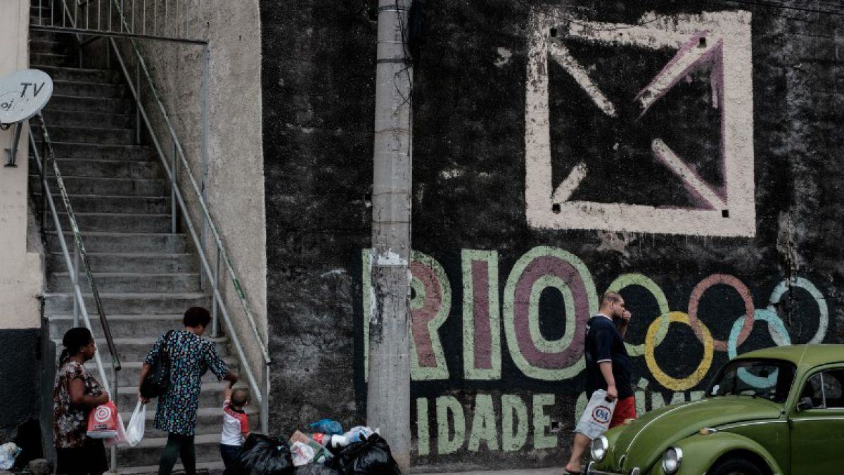 """Benjamin Best: """"Brasil hospeda eventos deportivos a costa de los más pobres"""""""