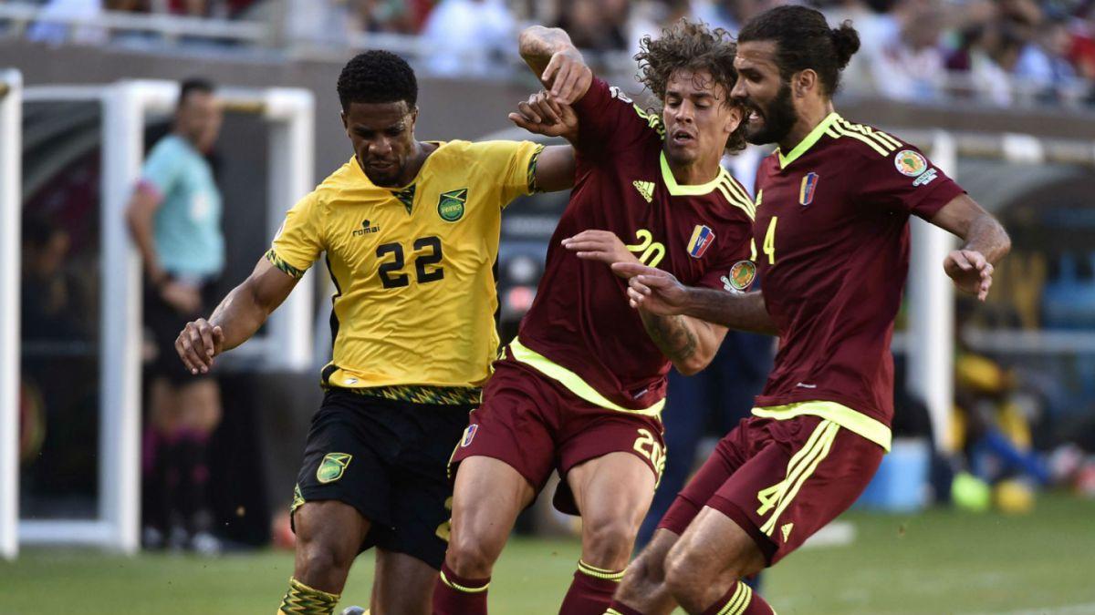 Venezuela derrota con lo justo a Jamaica en arranque del Grupo C de la Copa