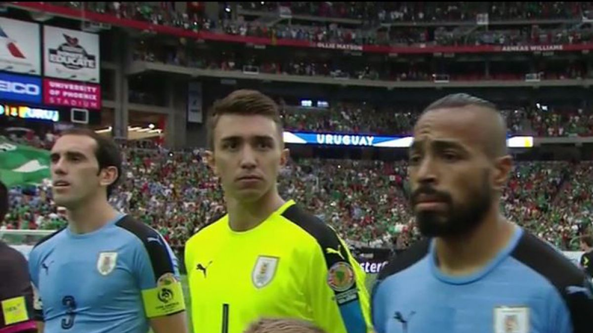 La furiosa reacción de la prensa uruguaya ante error del himno en Copa América