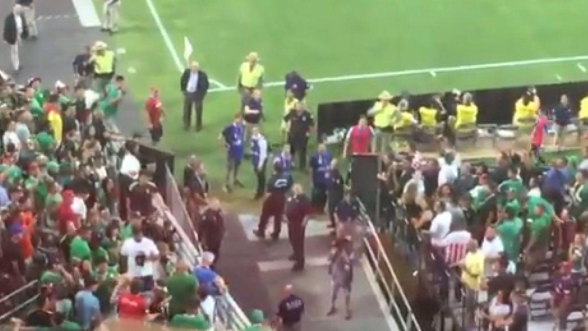 [VIDEO] Hinchas mexicanos y uruguayos protagonizaron fuerte pelea en las tribunas en Phoenix