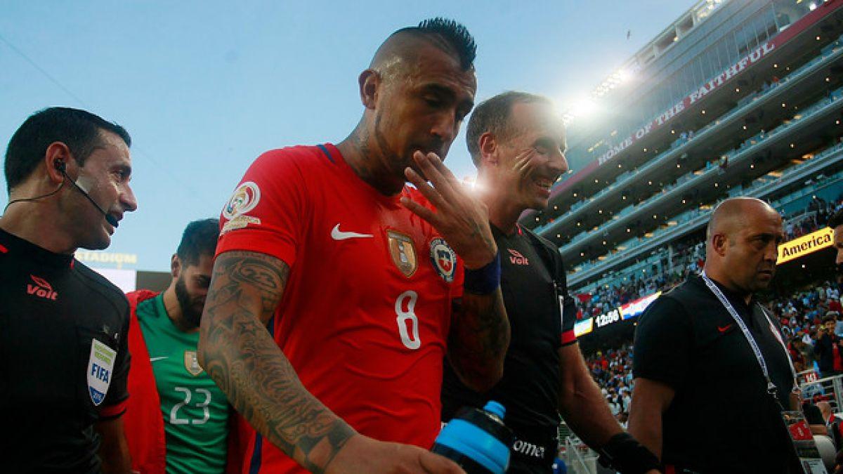 Arturo Vidal apunta al árbitro como factor de la derrota de La Roja con Argentina