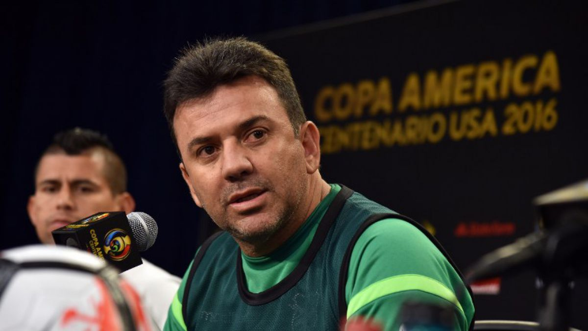 """Técnico de Bolivia da mensaje a Chile: """"No nos vamos a regalar"""""""