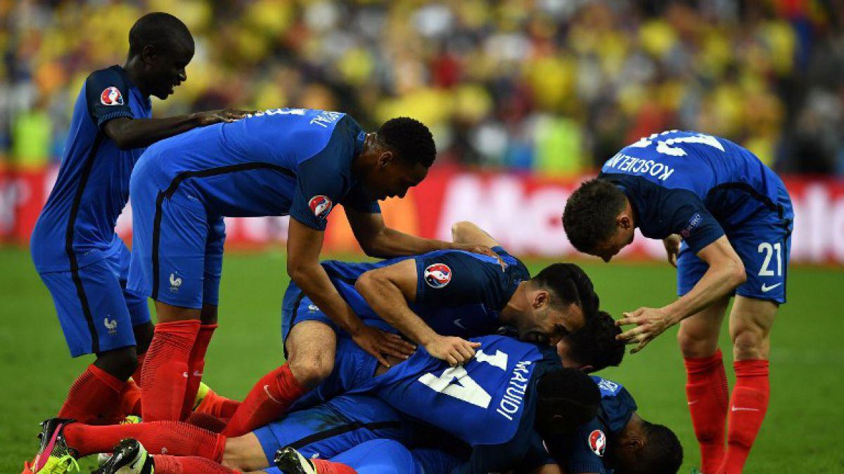 Francia vence a Rumania sobre la hora en el inicio de la Euro 2016
