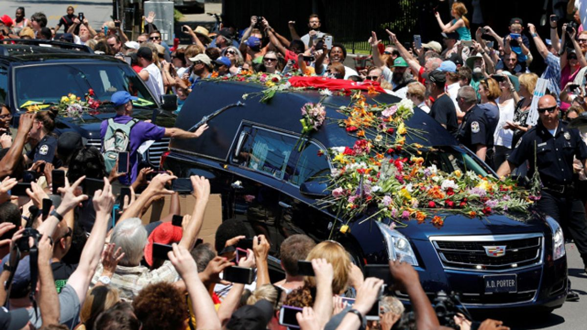 Último gong para Mohamed Alí bajo las flores y la gloria eterna