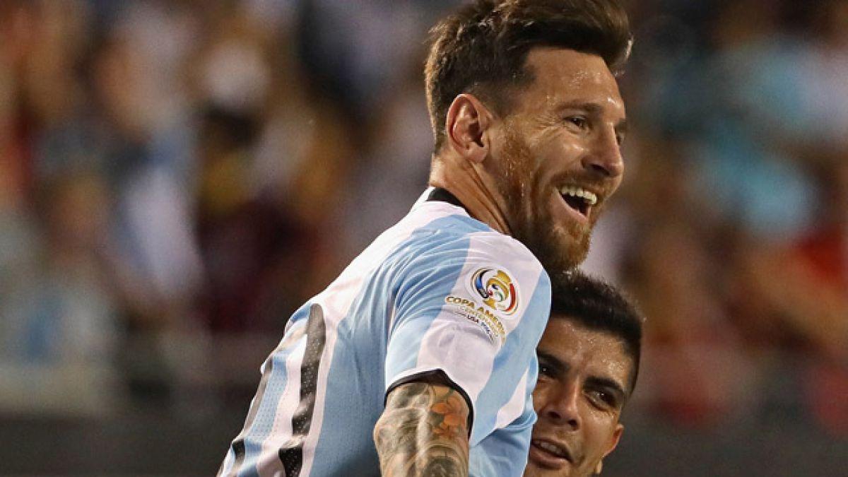 Messi pasa a liderar tabla de goleadores tras triplete sobre Panamá en Copa Centenario