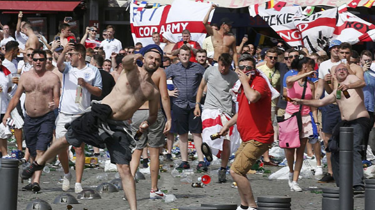 Los violentos incidentes en Marsella previos al duelo entre Inglaterra y Rusia por la Euro