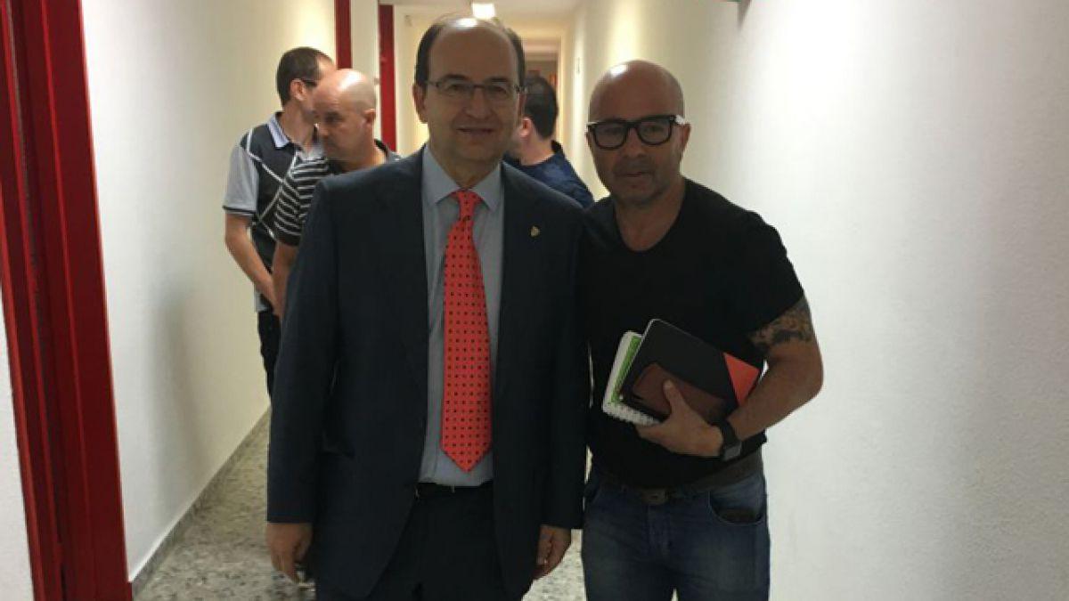 Jorge Sampaoli llega a Sevilla para negociar con el club andaluz