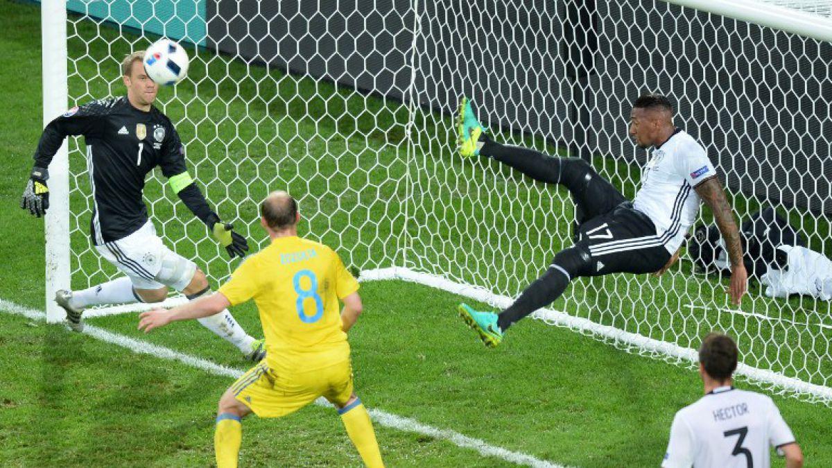 Eurocopa: La extraordinaria salvada del alemán Boateng ante Ucrania que es furor en redes sociales